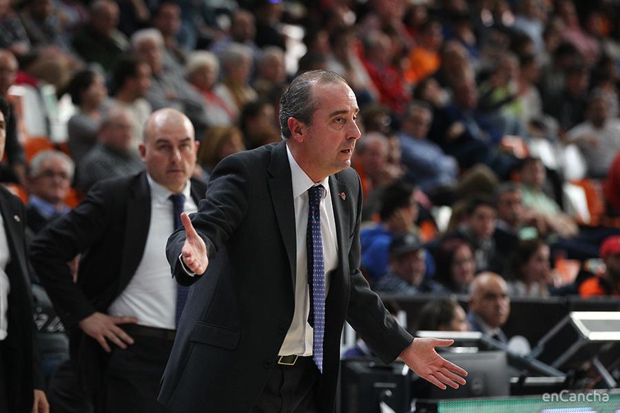 Txus Vidorreta parece demandar una respuesta de su equipo que no llegó