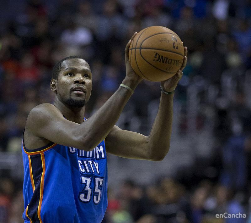 Kevin Durant By Keith Allison from Owings Mills, USA - Kevin Durant, CC BY-SA 2.0, https://commons.wikimedia.org/w/index.php?curid=33462018