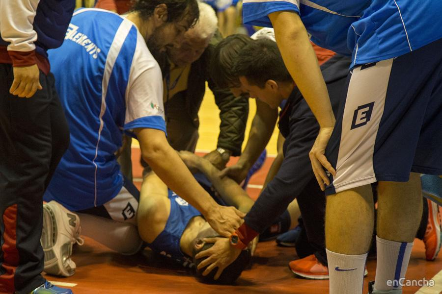 Mikel Motos cay� lesionado pero pudo levantarse