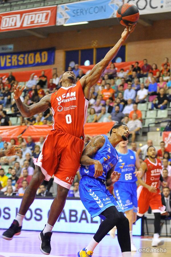 Ovie Soko contra San Pablo Burgos