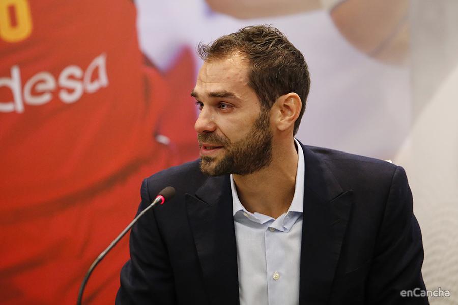 Calderón emotivo anunciando su retirada
